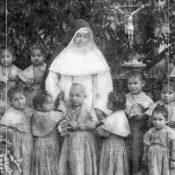 Compartimos la oración por la pronta beatificación de la Sierva de Dios Elmina Paz de Gallo.